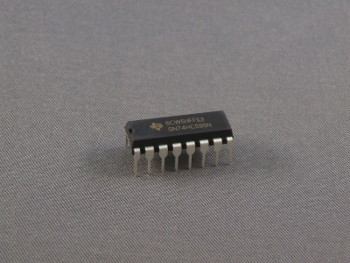 SN74HC595N 8-bit Shift Register
